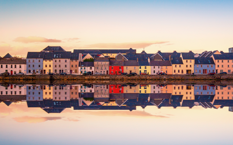 Die irische Stadt Galway ist einer unserer Irland Reisetipps.