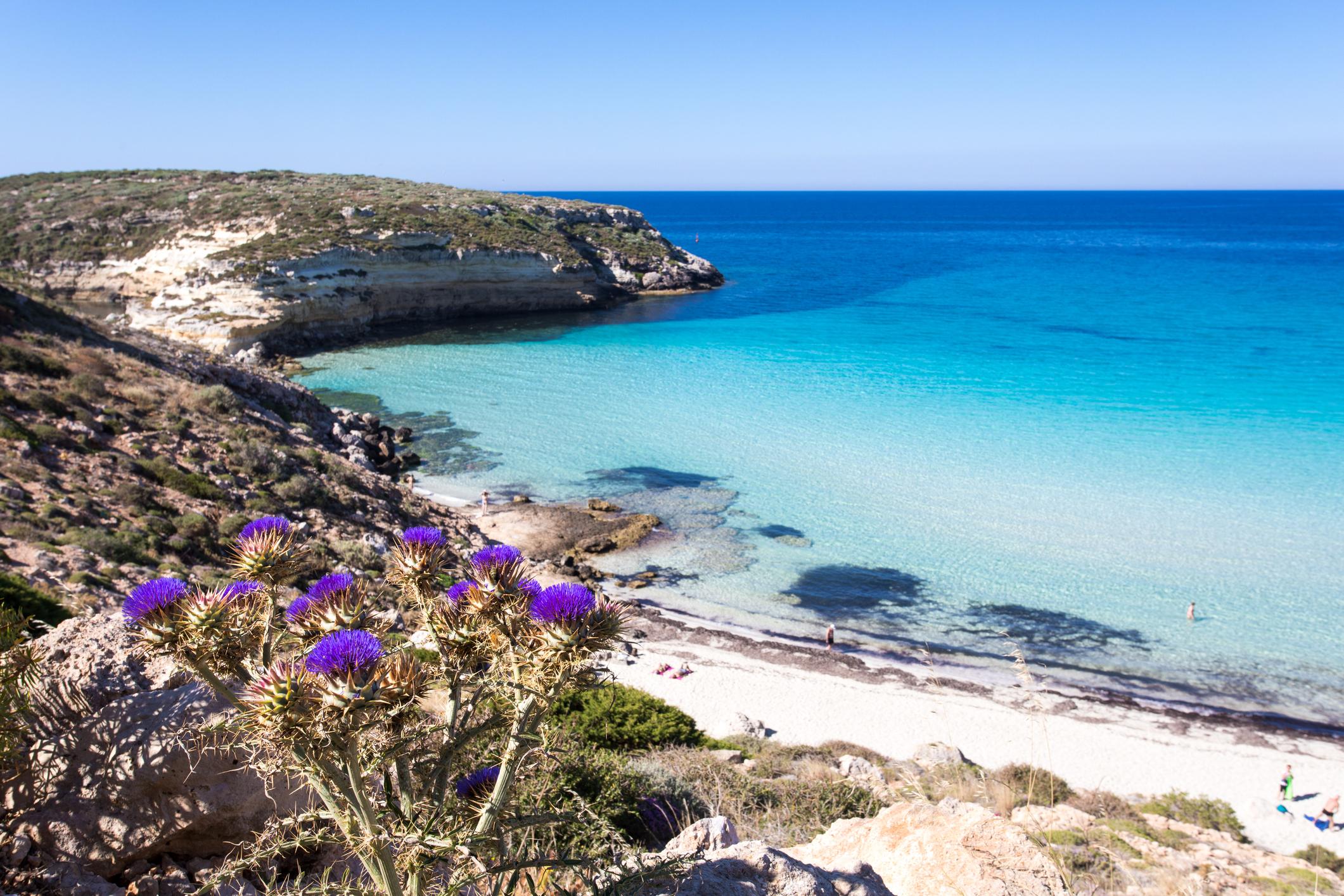 Der schönste Strand Europas ist der Spiaggia dei Conigli auf der Insel Lampedusa in Italien.