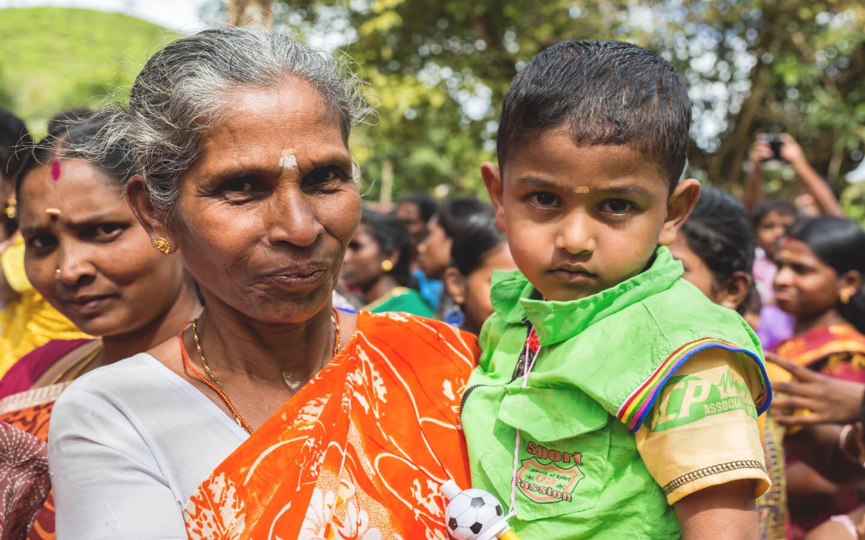 Menschen auf der im Indien Reisebericht erwähnte Tanzshow.