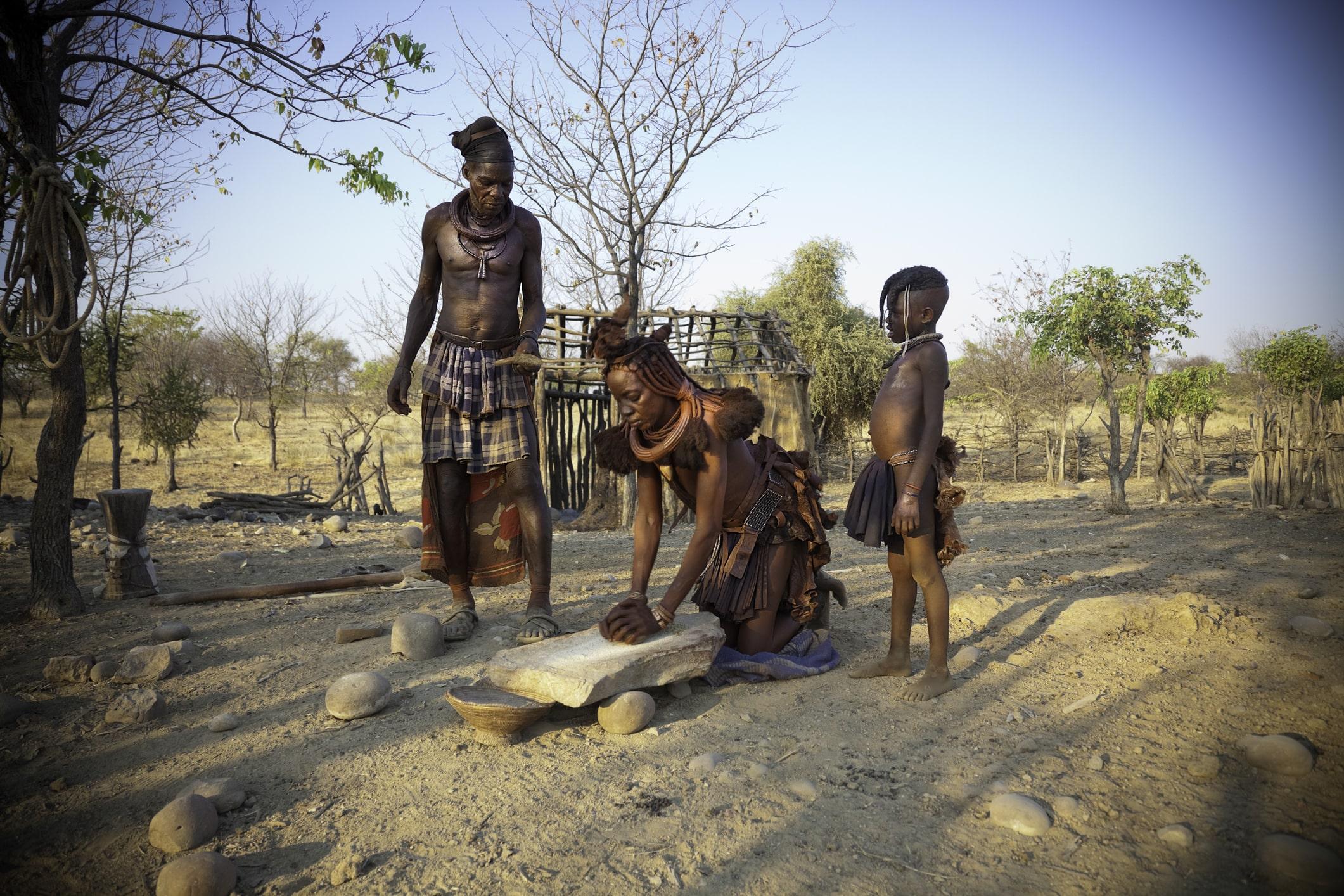 Die Himba in Namibia pflegen ihre Traditionen bis heute.