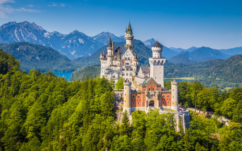 Das Schloss Neuschwanstein als Highlight während des Urlaubs in Deutschland.