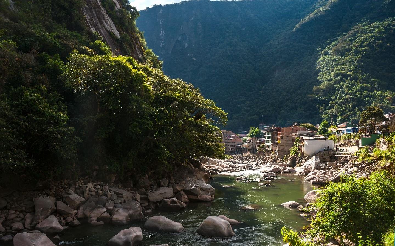 Der Aufstieg für unsere Machu Picchu Tour begann im Dorf Aguas Calientes.