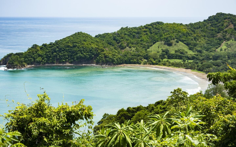 Die traumhafte Küste Costa Ricas, die auch in diesem Expertengespräch erwähnt wird.