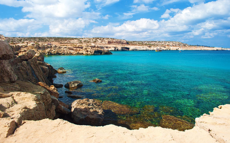 Der Strand Blue Lagoon gehört zu Zyperns schönsten Stränden.
