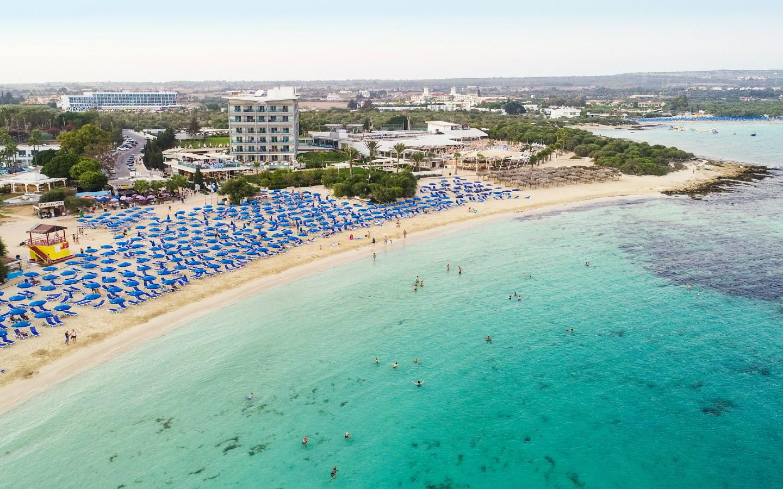 Der Makronissos Beach ist einer der schönsten Strände auf Zypern.