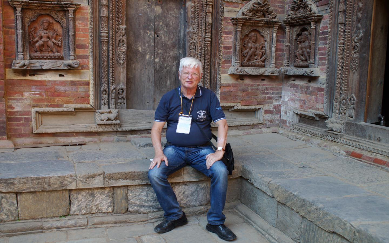 Ein Foto des Autoren des Nepal Reiseberichts während seines Urlaubs vor Ort.