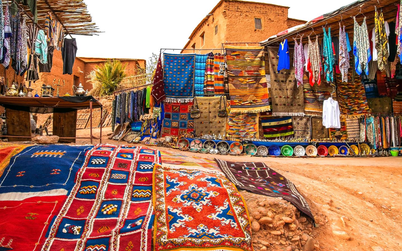 Die bekannten Souks in der marokkanischen Stadt Marrakesch.