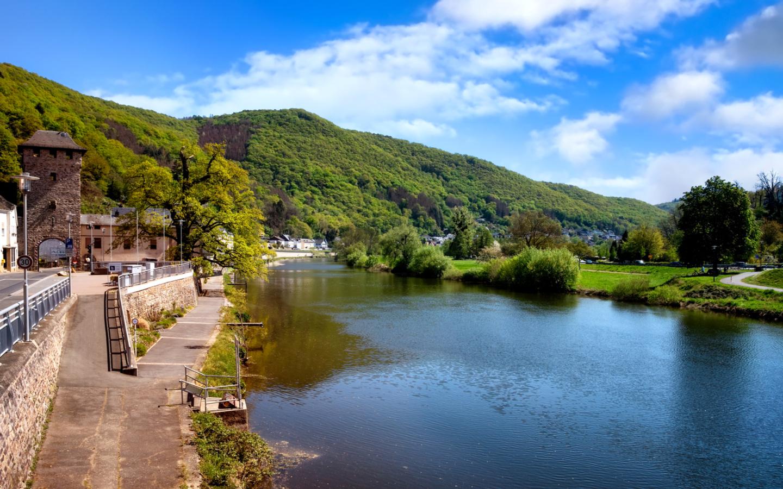 Der bekannte Fluss Lahn in Deutschland.