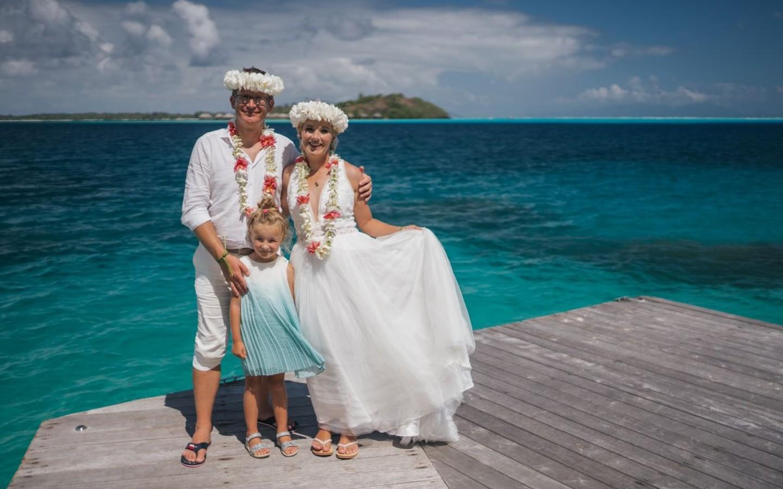 Das Ehepaar mit seiner Tochter auf der Südsee-Insel Bora Bora.