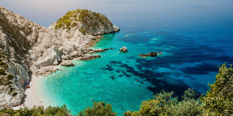 Dieser Strand auf der Insel Kefalonia gehört zu den schönsten Stränden Griechenlands.