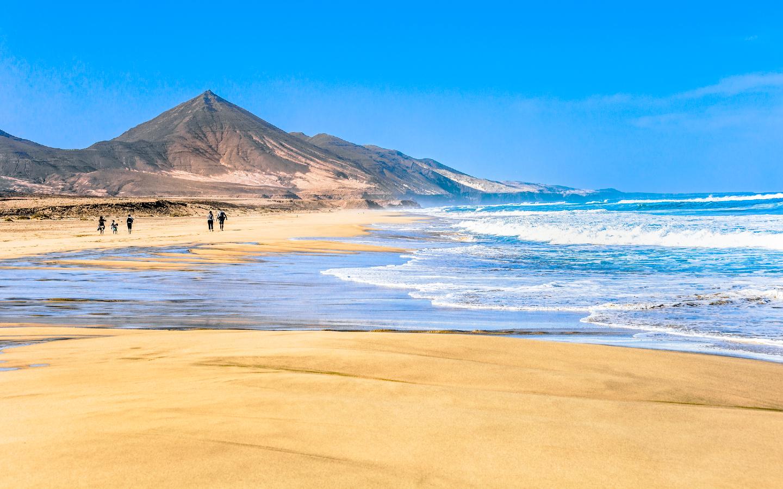 Der Playa de Cofete auf der Insel Fuerteventura gehört zu den schönsten Stränden Europas.