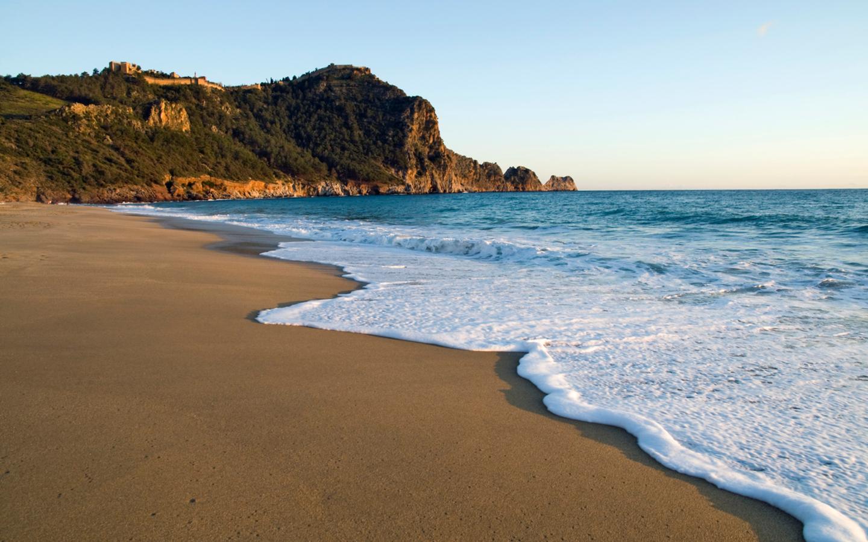 Der Kleopatra Beach in Alanya in der Türkei gehört zu den 25 schönsten Stränden Europas.