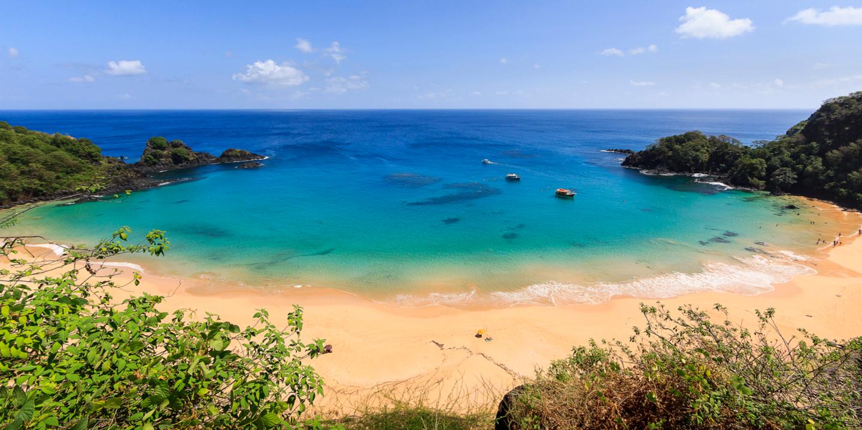 Der Strand Baia do Sancho in Brasilien gehört zu den schönsten Stränden weltweit.