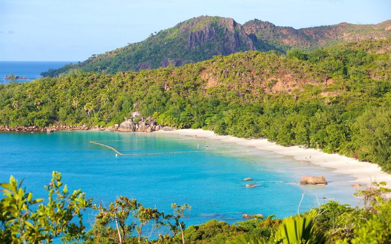 Der Strand Anse Lazio auf der Insel Praslin gehört zu den schönsten Stränden auf den Seychellen.