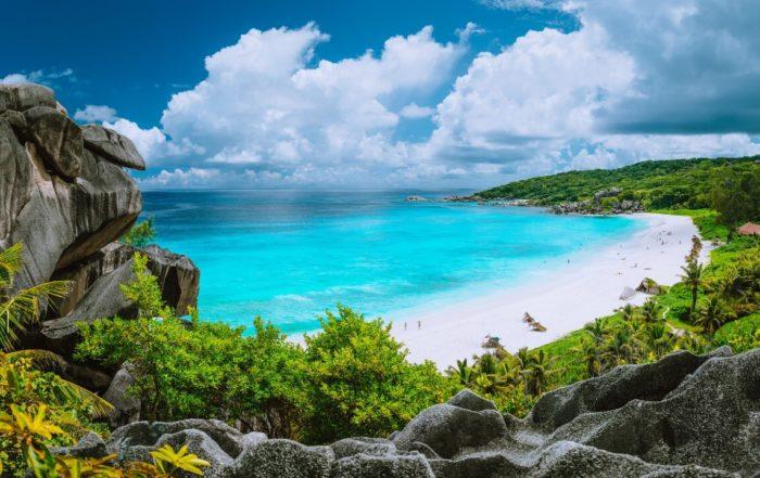 Der Strand Grand Anse auf der Insel La Digue gehört zu den schönsten Stränden der Seychellen.
