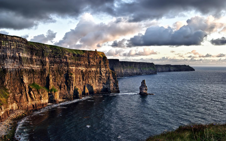 Die Cliffs of Moher gehören zu den zehn schönsten Sehenswürdigkeiten Irlands.