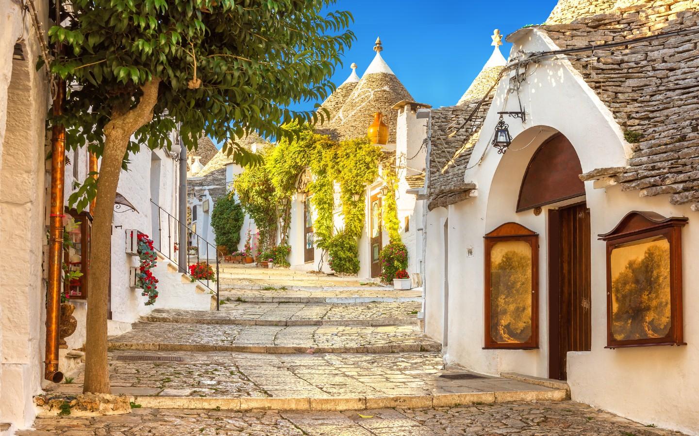 Ein wahres Highlight Apuliens ist die Stadt Alberobello mit ihren weiß getünchten Trulli-Häusern.