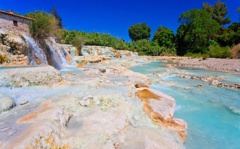 Eine der bekannten heißen Thermalquellen in der Toskana.