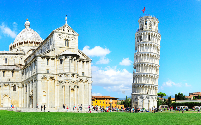 Der Schiefe Turm von Pisa ist definitiv eine der Top 10 Sehenswürdigkeiten der Toskana.