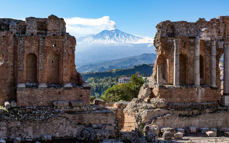 Auch die Insel und gleichnamige Region Sizilien gehört zu den schönsten Urlaubsregionen Italiens.