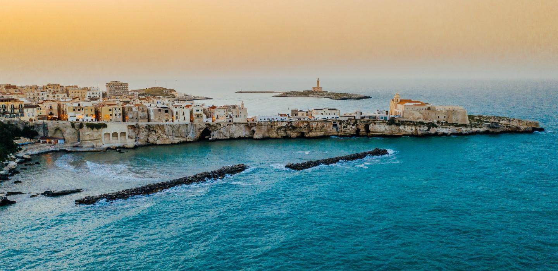 Das ehemalige Fischerdorf Vieste an der Adria gehört zu den Top 10 Highlights Apuliens.