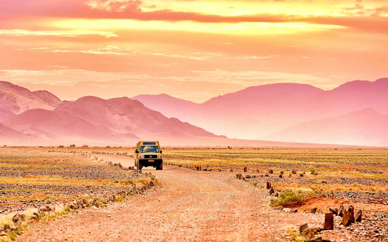 Eine Rundreise mit dem Mietwagen ist optimal um Namibia mit Kindern zu entdecken.
