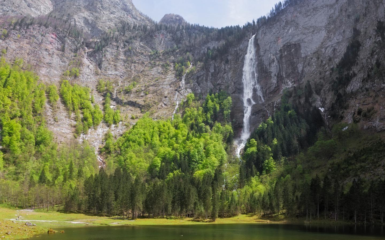 Der 470 Meter hohe Röthbachfall ist ein Naturwunder in Bayern.