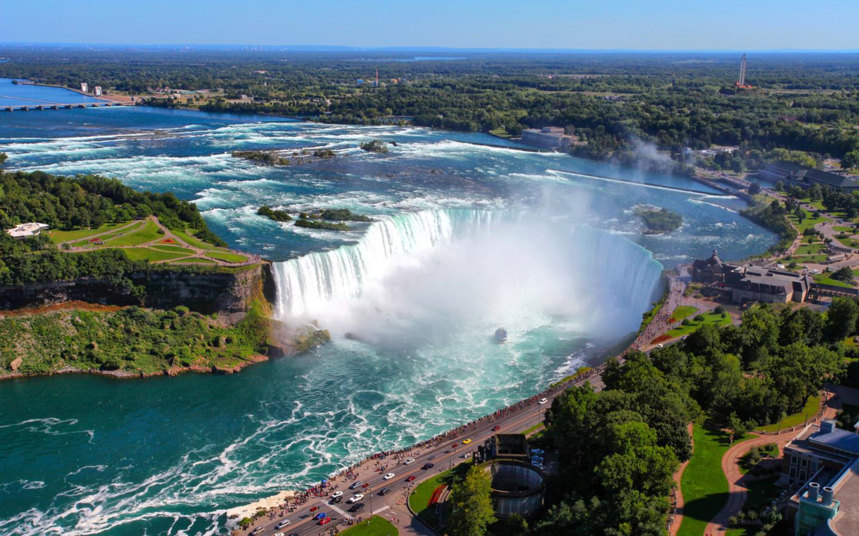 Die Niagarafälle sind die meistbesuchten Wasserfälle weltweit.