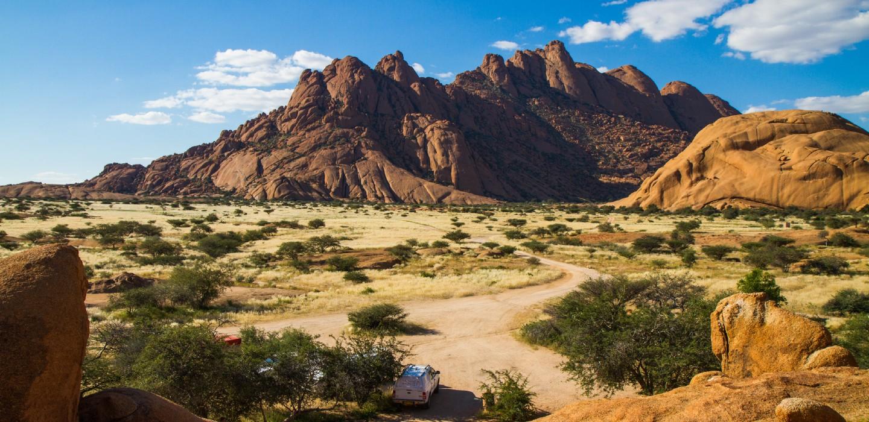 Das Spitzkoppe Massiv gehört zu den Top 10 Sehenswürdigkeiten in Namibia.